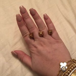 henri bendel Jewelry - Rose gold double finger stud ring